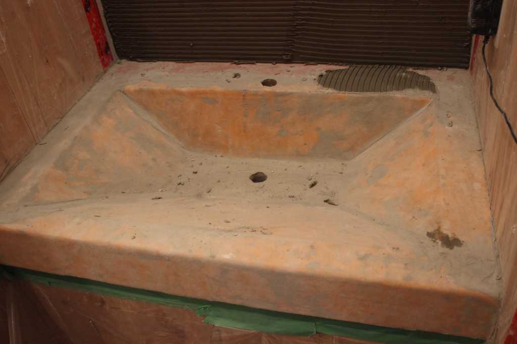 Kerdi is first layer in this tadelakt sink